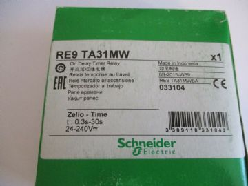 NEW SCHNEIDER ELECTRIC RE9 TA31MW TIMER DELAY RELAY 0.3 - 30S